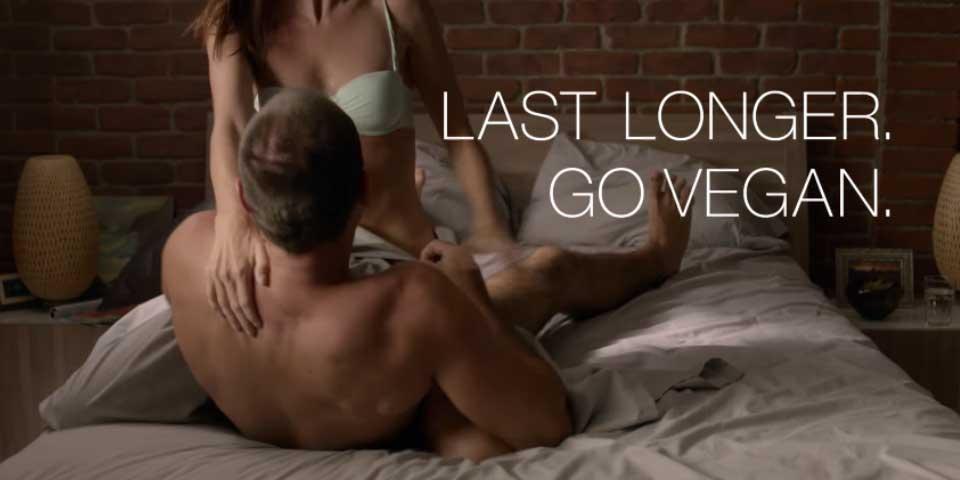 Censuran comercial de PETA para el Super Bowl por contenido sexual - Foto de PETA
