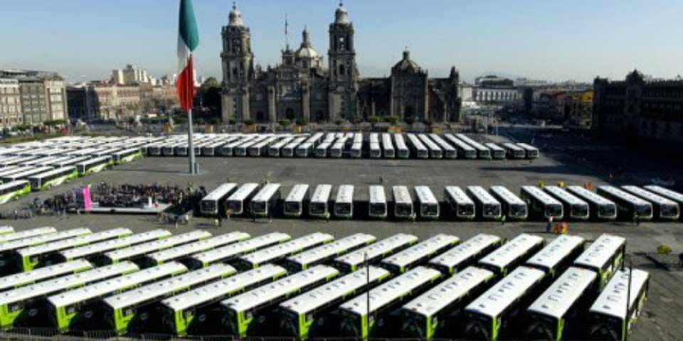Mancera da banderazo de salida a 191 unidades de RTP - Foto de Quadratín