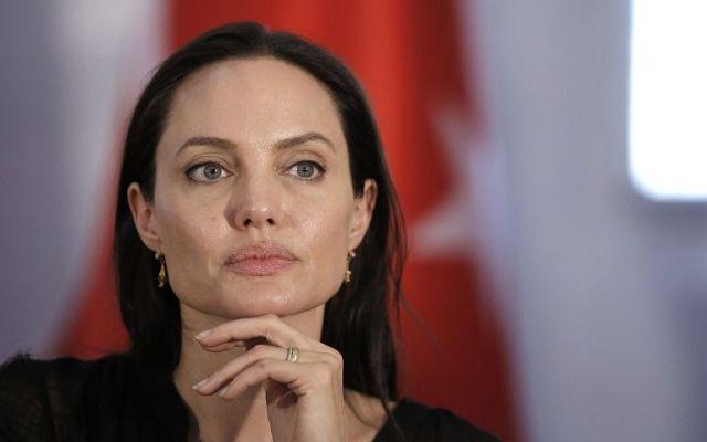 Angelina Jolie dará clases en universidad británica - Foto de Guardian.