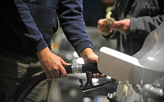 Emiten norma de emisiones para autos que funcionan con diésel - FOTO DE BORJA AGUDO