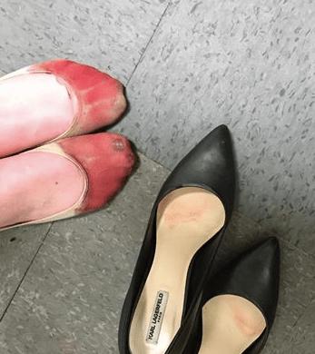 Zapatos De Tacón Despiden Usar A Mujer Por No 8nOPk0wX