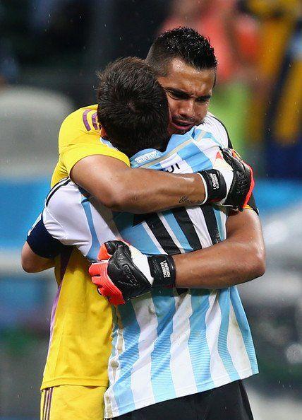 Sergio Romero y Lionel Messi. Foto de Internet