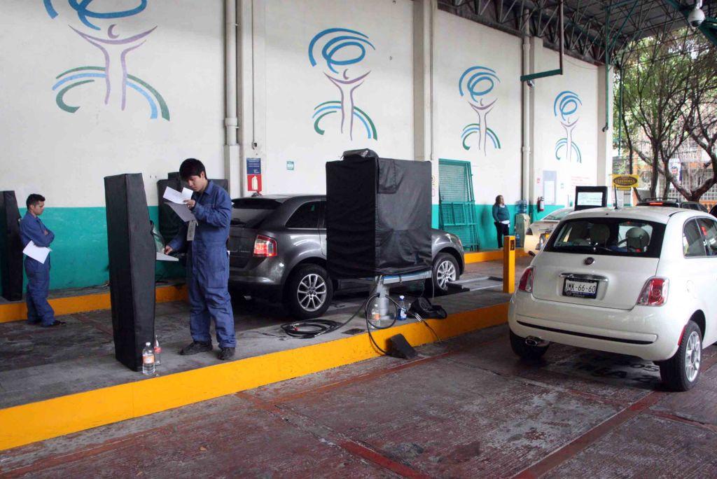 Darán prórroga para verificar vehículos con holograma 1 y 2 y engomado verde - Foto de Internet