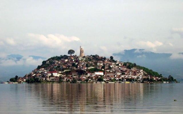 Detienen a 9 presuntos delincuentes en Pátzcuaro, Michoacán - Lago de Pátzcuaro. Foto de archivo.