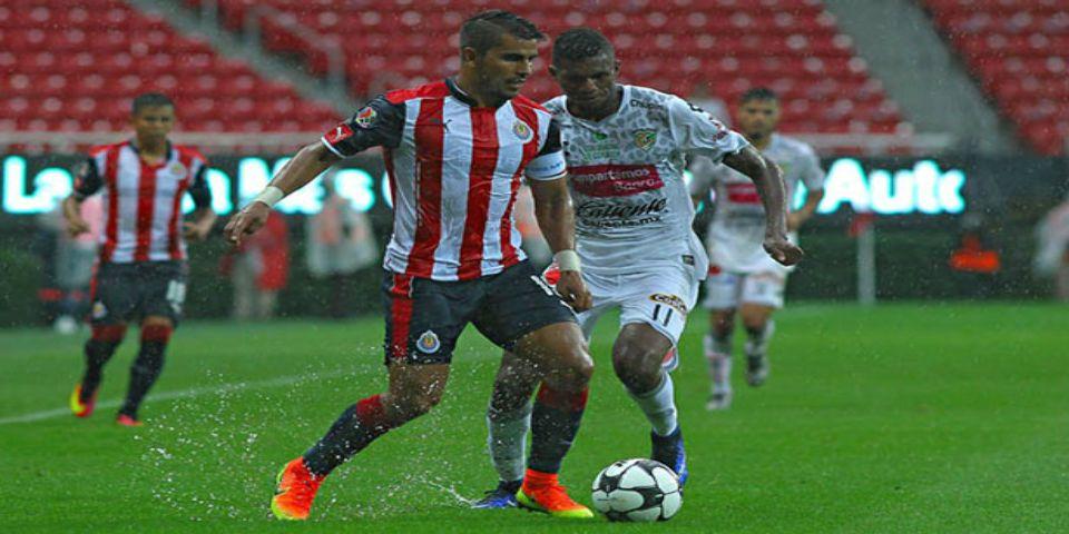 Jaguares golea a las Chivas - Foto de Mexsport