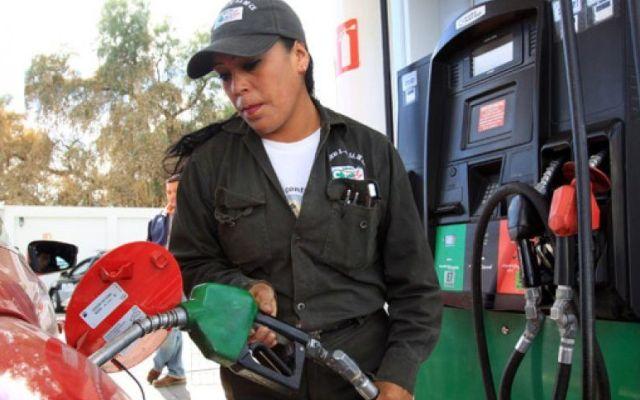 Gasolina Magna, la más consumida por los mexicanos en 2017 - Foto de archivo