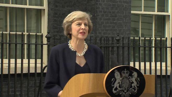 Theresa May solicitará la disolución del Parlamento a la reina Isabel II - Foto de archivo