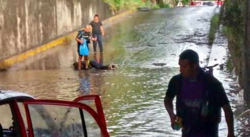 Muere mujer ahogada en encharcamiento en Morelos