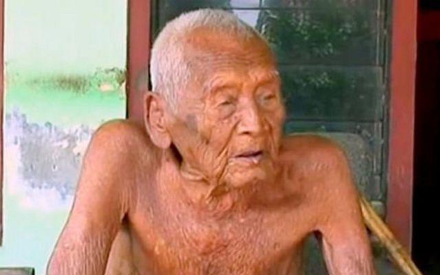 """""""Solo quiero morir"""": el hombre más viejo del mundo"""