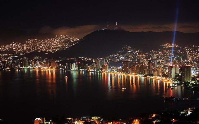 Hombres armados atacaron bar en Acapulco
