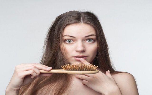Cinco consejos para detener la caída del cabello - Foto de internet.