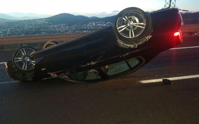 Vuelca BMW en autopista Chamapa-Lechería - Foto de @PoliciaFedMx