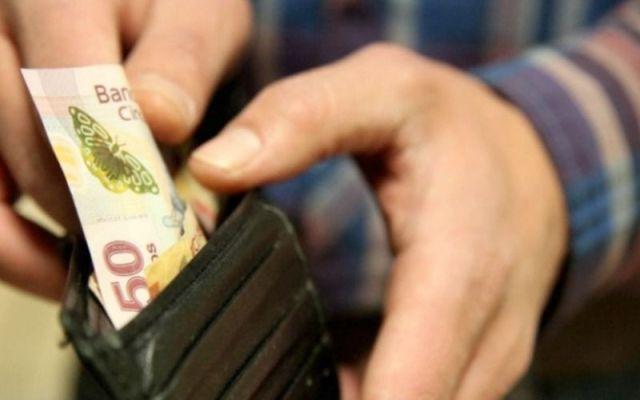 Prevén que alza del dólar afecte poder adquisitivo - Foto: Internet