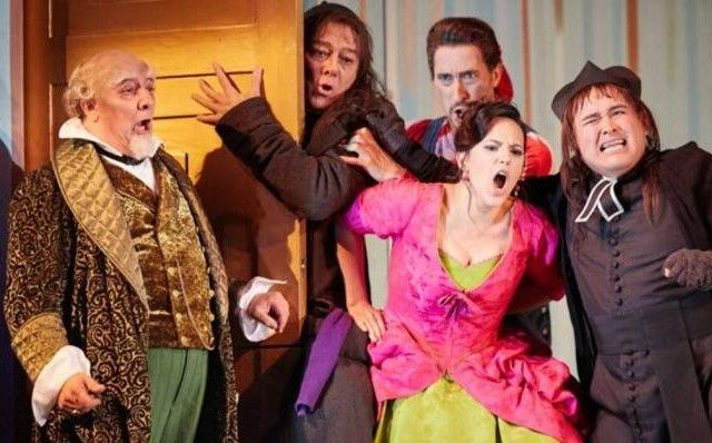 Tenor Javier Camarena deslumbra en su debut en la ópera de Londres