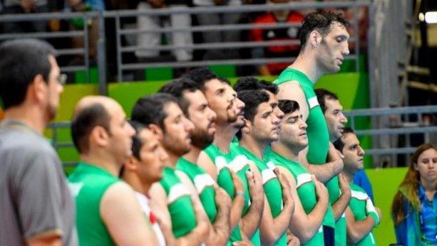 Jugador de voleibol paralímpico es uno de los hombres más altos del mundo