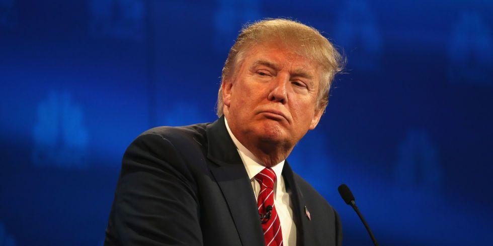 Renuncian dos consejeros hispanos de Trump tras discurso