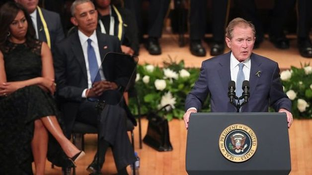Barack Obama se convierte en el fotógrafo de George Bush