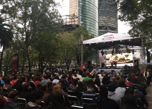Armando Manzanero inaugura el Festival del Bosque de Chapultepec