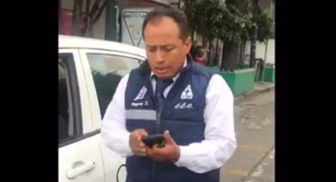Video: taxista invade ciclovía y amenaza a usuario