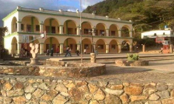 Retienen a funcionarios de Derechos Humanos en Oaxaca