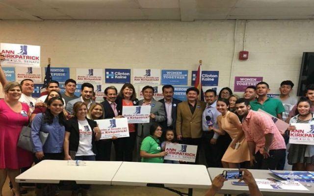 Los Tigres del Norte apoyan la campaña de Hillary Clinton - Foto de @tigresdelnorte