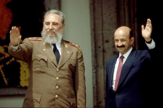 Castro fue trascendente para la vida en América Latina: CSG - Fidel Castro y el expresidente Carlos Salinas de Gortari. Foto de internet