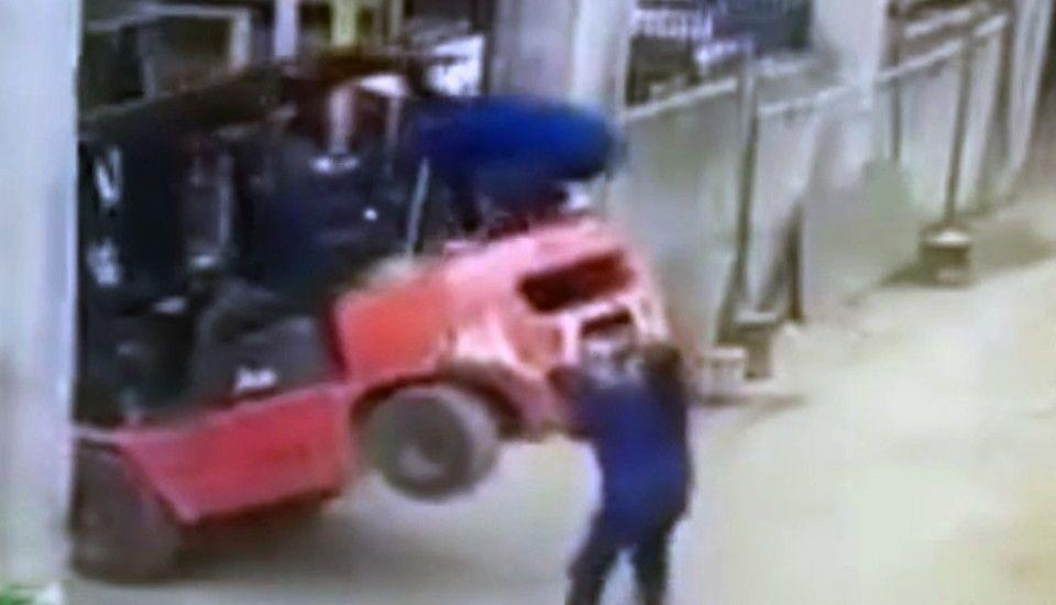 Video Muere Mujer Tras Caerle Montacargas
