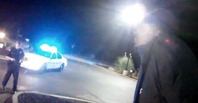 Video: policía recibe balazo a quemarropa de sospechoso