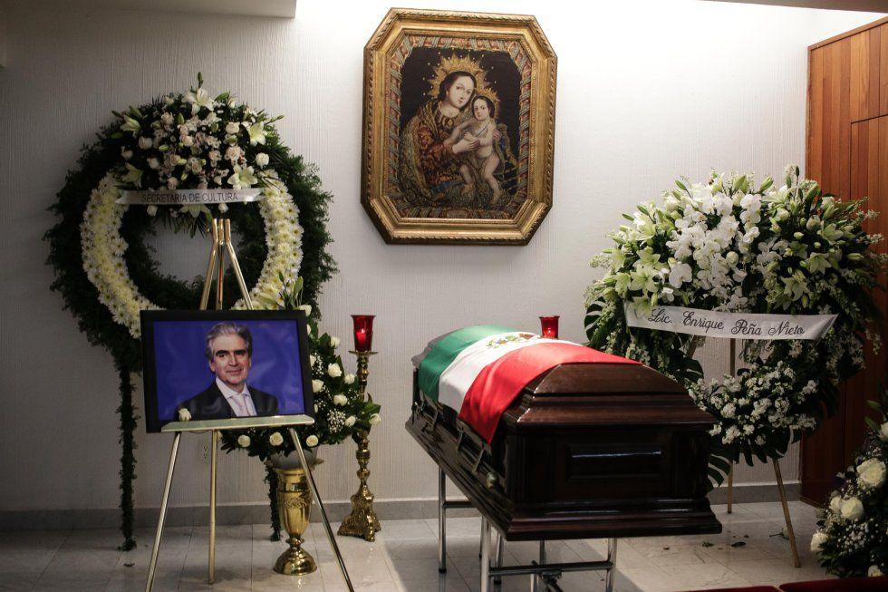 Velan restos de Rafael Tovar y de Teresa - Foto de Francisco Canedo/ EL PAÍS.