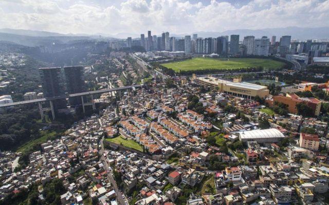 Dron expone las desigualdades sociales de la Ciudad de México - Santa Fe. Foto de Johnny Miller
