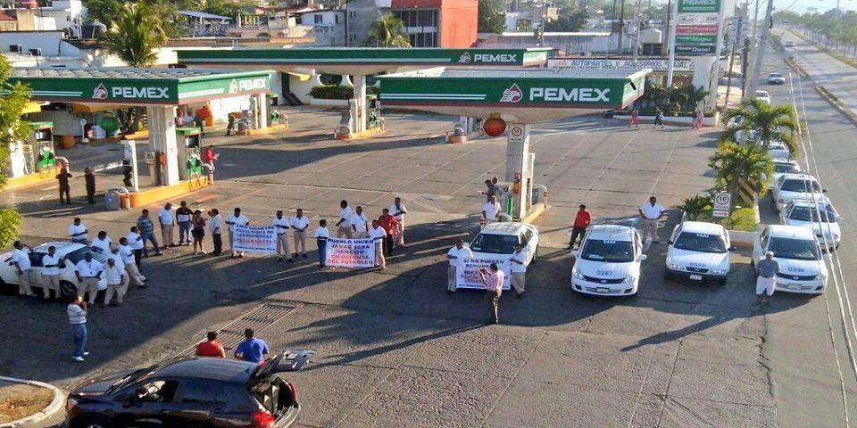 """Los pasos para ampararse por el """"gasolinazo"""" - Foto de Twitter"""