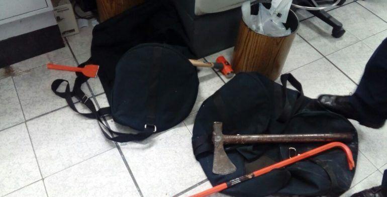 Frustran policías asalto a CitiBanamex en Neza - Foto de DGCS Neza.