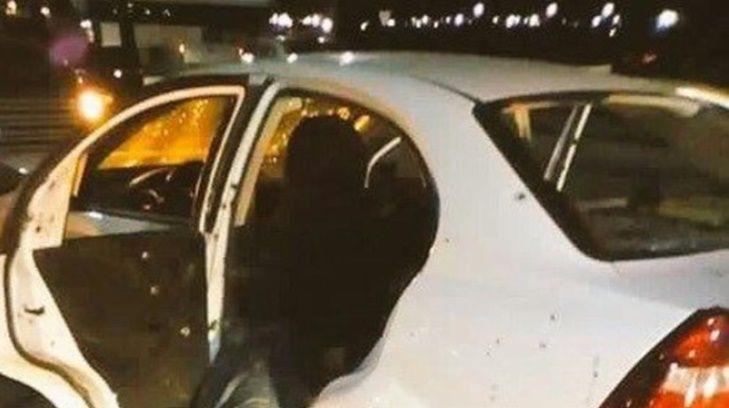 El automóvil donde iban los agentes. Foto de El Mañana