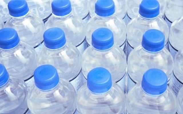 Capitalinos gastan 4 millones de pesos al año en agua purificada