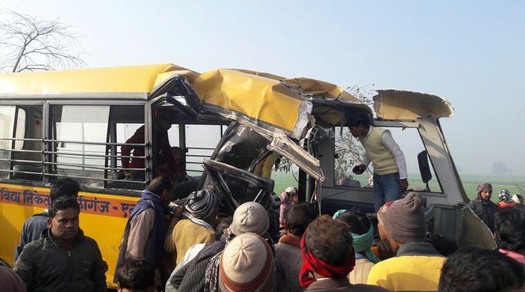 Choque entre autobús escolar y camión deja 25 muertos - Foto de Twitter