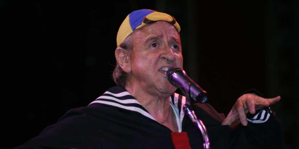 Carlos Villagrán desmiente el retiro de 'Kiko' - Foto de debate.com.mx