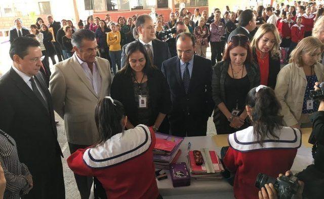 Inicia programa Mochila Segura en más de seis mil escuelas de Nuevo León - Foto de Notimex