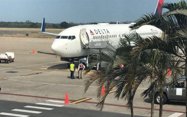 Avión de Delta realiza aterrizaje forzoso en Tampico - Foto de notigape.