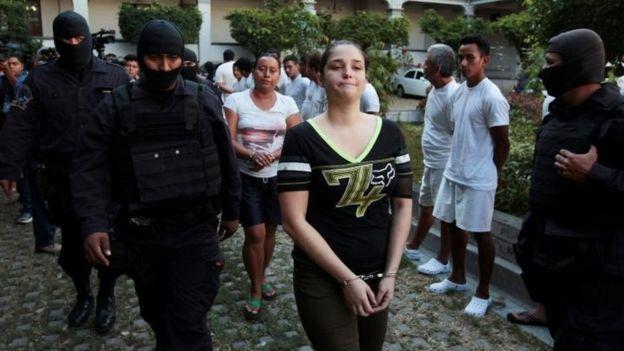 Presentadora de TV detenida niega vínculos con cárteles mexicanos - Foto de Reuters