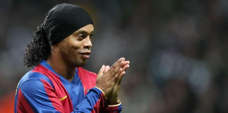 Ronaldinho será embajador del Barça por 10 años