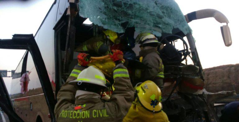Choque de camión de pasajeros deja un muerto y 29 heridos en Jalisco - Foto de Quadratin