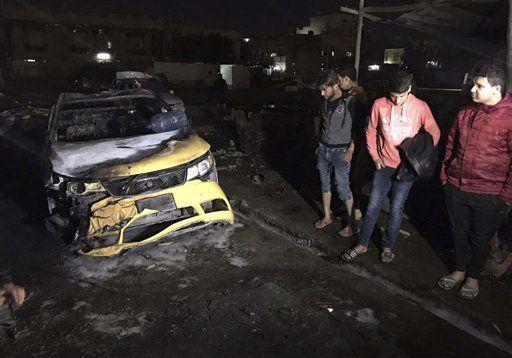 Ataque con coche bomba deja al menos 51 muertos en Bagdad - Foto de AP