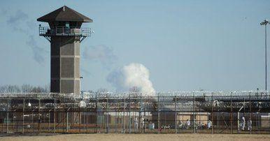 Reos toman como rehenes a guardias de cárcel en Delaware - Foto de Delaware Online