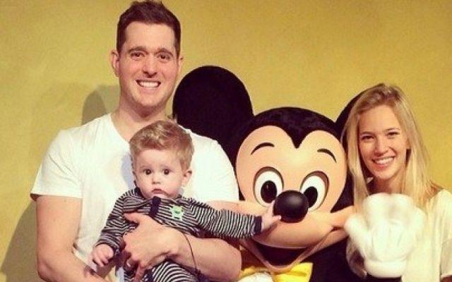 Hijo de Michael Bublé responde favorablemente a tratamiento contra cáncer