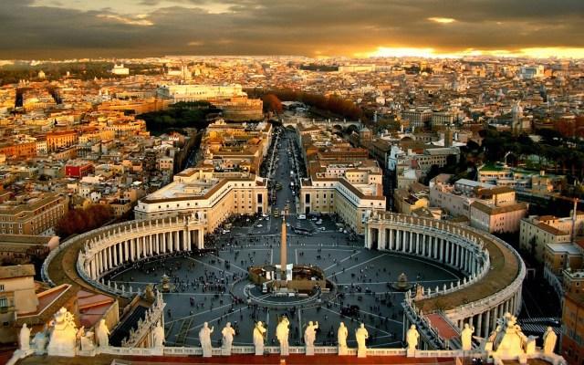 Vaticano juzgará a diplomático por posesión de pornografía infantil - El Vaticano. Foto de PopUpRome