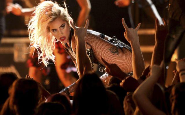 Lady Gaga sustituirá a Beyoncé en Coachella - Lady Gaga interpreta