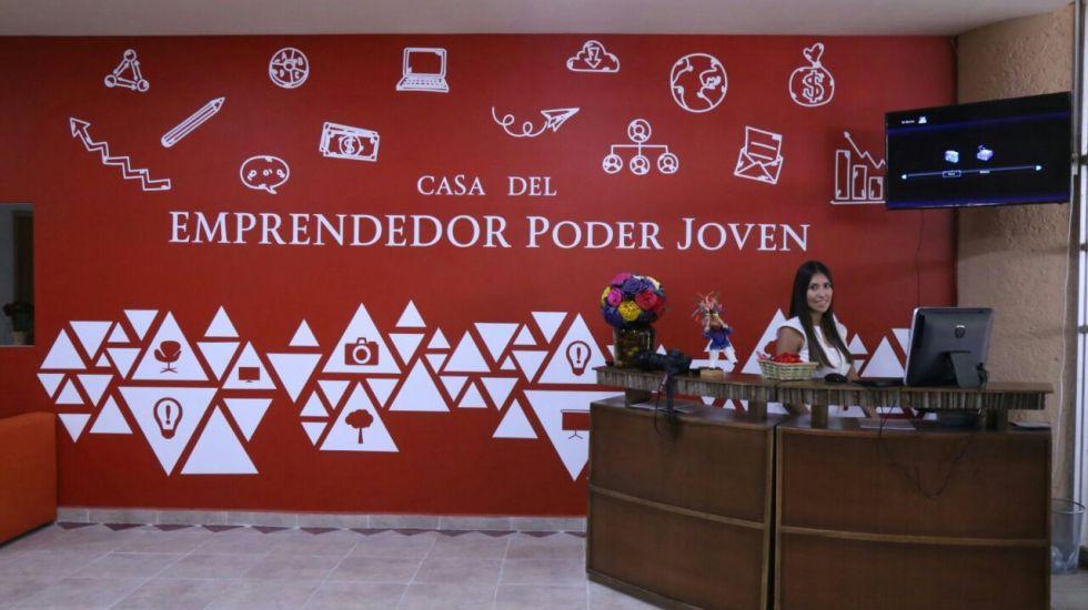Héctor Astudillo inaugura Casa del Emprendedor en Acapulco