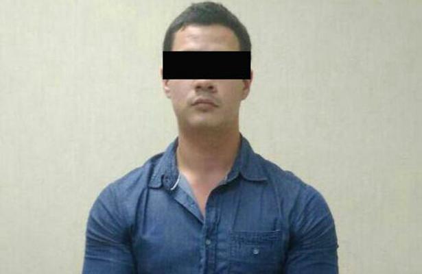 Joven acusado de asesinar a sus padres no irá a penal federal