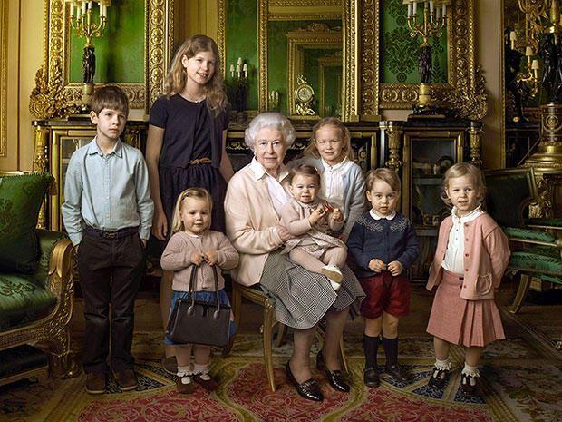 La forma en que la reina Isabel II se comunica con sus guardias