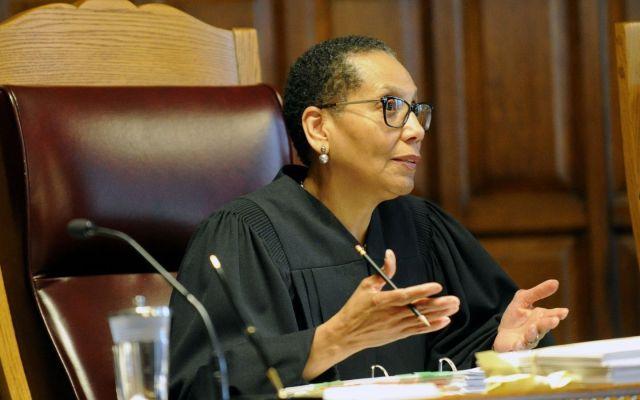 Encuentran cadáver de primera jueza musulmana de EE.UU. - Foto de Internet
